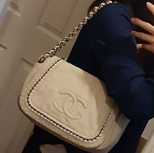 Chanel like new beautiful bag